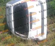 Vuelca camioneta al estallar neumático