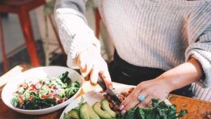 Alimentos para combatir el estrés laboral