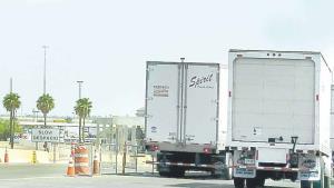 Priorizan cruce de camiones a EU