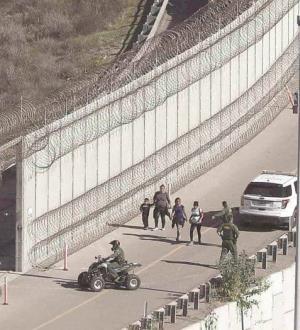 Arrestará EU a quien pida asilo