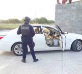 Detienen a sujeto con auto robado