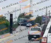Bloquean avenida con autobús Noreste en Reynosa