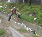 Rescatan colonias anegadas tras fuertes lluvias