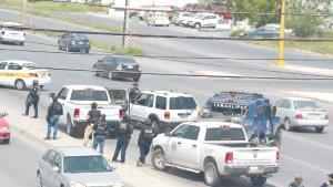 Inician proceso a detenido a bordo de camioneta robada
