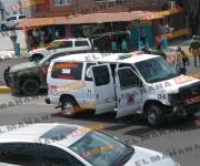 Resultan dos militares lesionados en choque