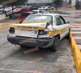 Provoca taxi choque contra microbús en carretera a Monterrey