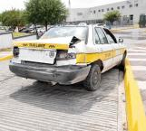 Negligente taxista causa un accidente