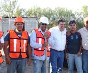 Da alcalde banderazo de drenaje pluvial en la colonia Benito Juárez