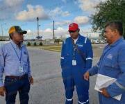 Obreros inconformes bloquean instalaciones de IHSA, en SanFernando