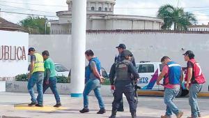 Liberan a cinco detenidos con aparatos robados