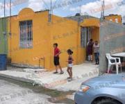 Mujer intenta degollarse frente a sus hijos en Los Muros