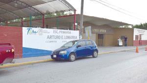 De nuevo irrumpen en la escuela Arturo Longoria a cometer robo