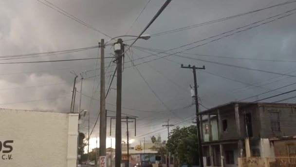 Captan formación de embudo de tornado en Matamoros