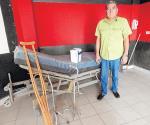 Apoyan a discapacitados con camas de hospital