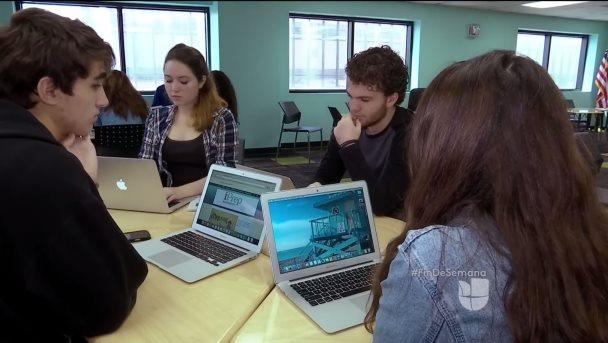 Escuela usa la tecnología para enseñar pensamiento crítico