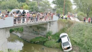 Fatal volcadura en canal