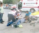 Deja vehículo fracturado a  motociclista