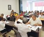 Evaluarán a mil maestros