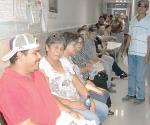 Designan a otra empleada para atención en IMSS