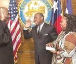 Sylvester Turner toma posesión como alcalde de Houston