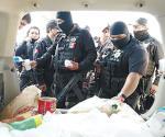 Deben pagar a los policías porque arriesgan su vida