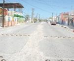 Cambian tubos, ahora deben reparar la calle