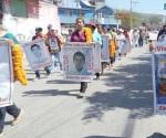 Padres de los 43 alistan marcha a Ayotzinapa