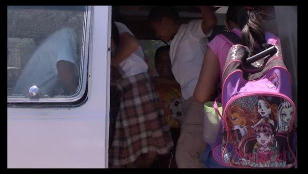 Extrañan compañeros y maestra a Mareli Ruiz, niña que cayó de transporte escolar y posteriormente falleció