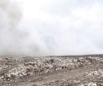 Invade humo de quema de basura en Las Anacuas