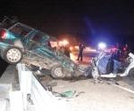 Muere pareja y 2 hijos sobreviven en choque