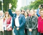 Urge AMLO a Peña comenzar transición