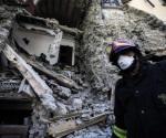 Suman 290 muertos por terremoto