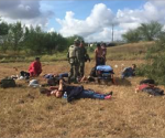 Mueren cinco en volcadura y reportan 27 heridos