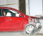 Muere conductor al huir de asalto