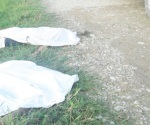 Mueren 2 estudiantes, vuelcan y caen a canal