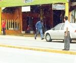 Policías encapuchados capturan a sospechoso
