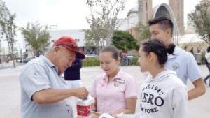 Invaden las calles estudiantes con la campaña Hambretón