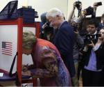 Vota Hillary Clinton en NY; confía en su victoria