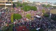 Toman miles de manifestantes el Palacio Municipal en Mexicali