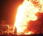 Arde ducto de Pemex por toma clandestina