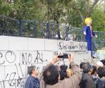 Levantan ´muro´ frente a embajada