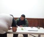 Exhortan a reclutas a entregar sus medias cartillas a Sedena