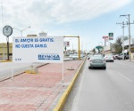 Sorprenden mensajes en bulevar Morelos
