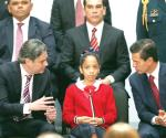 Convoca EPN a una revolución educativa