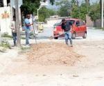 Atienden fuga de agua potable en la Hidalgo