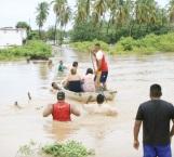 Suman 75 muertos por lluvias en Perú
