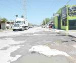 Afectan calles aguas residuales