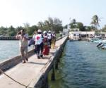 Se infarta pescador en altamar y muere en viaje al hospital