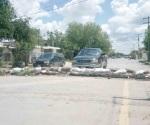 Obstruyen paso con barricadas