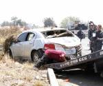 Vuelca vehículo; 3 muertos, un herido